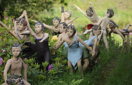 Kuvataiteilija Atte Paju sai kärkihankeapurahan Parikkalan patsaspuiston ylläpitoon. Kuva: Veli Granö