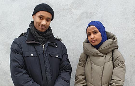 Valokuvaaja Uwa Iduozee ja kirjoittaja Maryan Abdulkarim