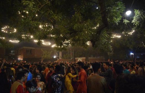 Tanssifestivaali Ahmedabadissa (Credits: Shira Magen)